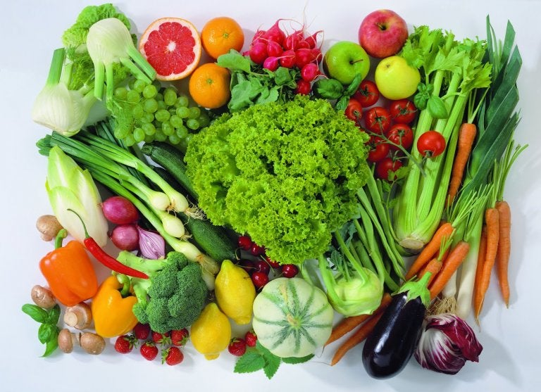 7 Fruits and Vegetables that May Help Reduce Cancer Risk