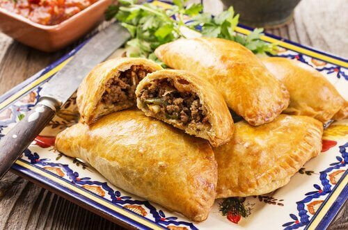 Homemade Chicken or Beef Empanada Recipe