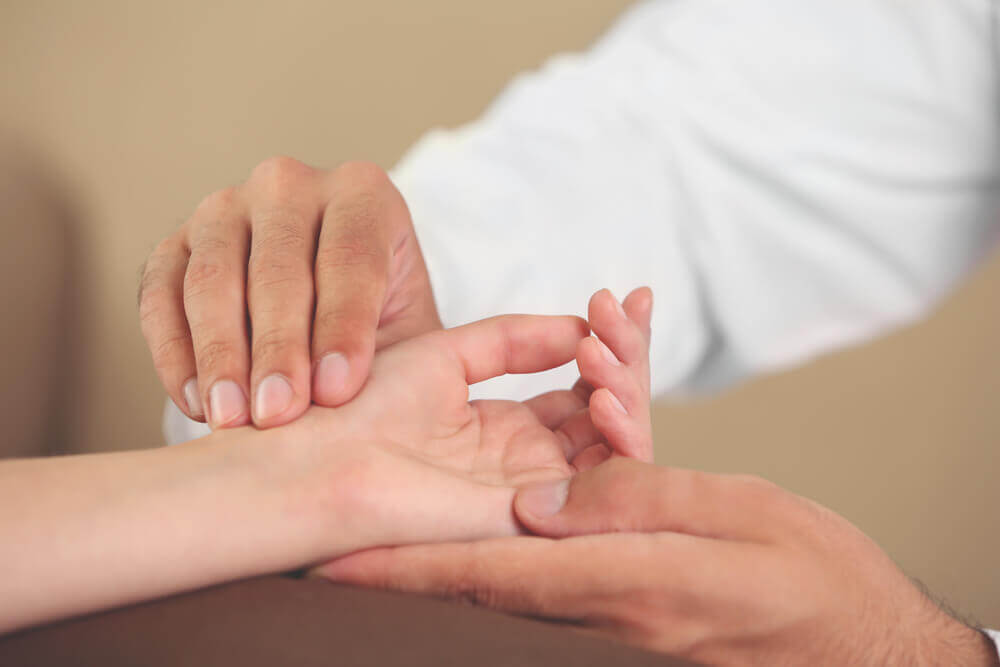 6 Hand Exercises to Prevent Annoying Syndromes