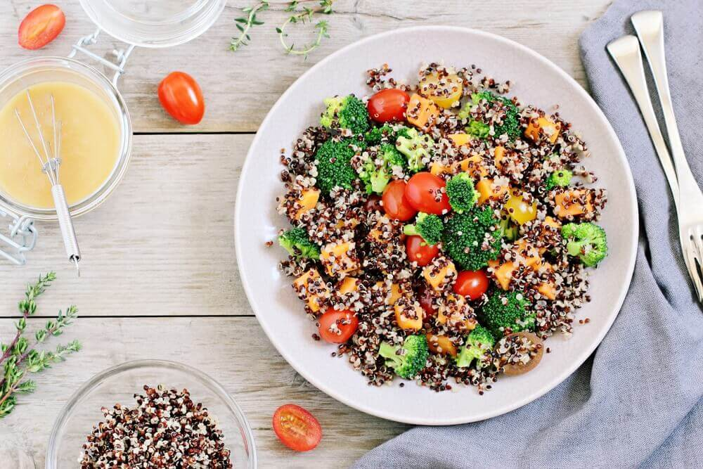 Quinoa Helps You Lose Weight: broccoli, tomatoes, corn