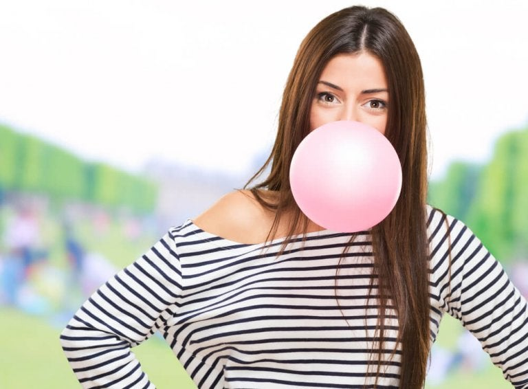 What Happens to Your Body when You Chew Gum?