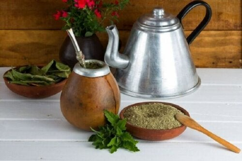 A mate tea setup.