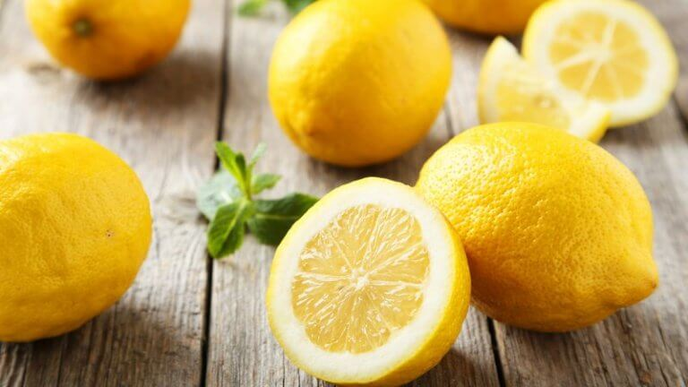 Relaxing and clarifying lemon mask