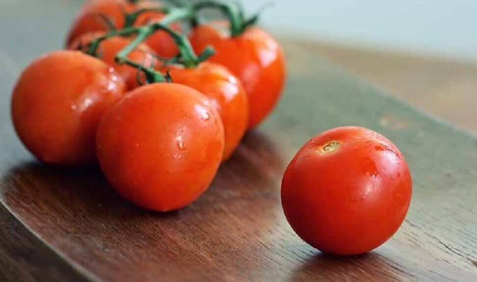 Tomatoes cause body odor