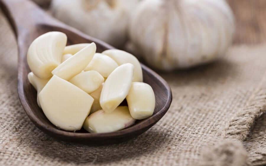 A spoonful of garlic.