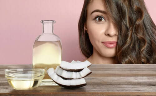 How to Beautify Your Face with Coconut Milk