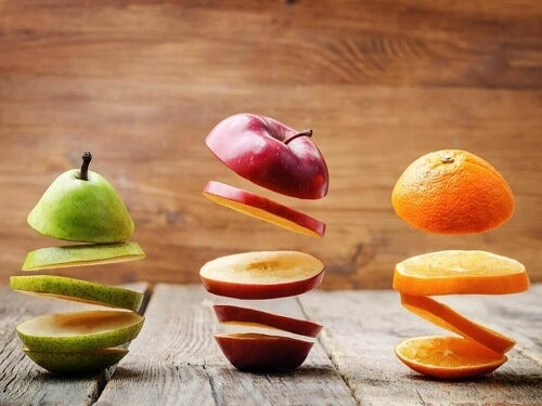 Slices of fruits that prevent cancer