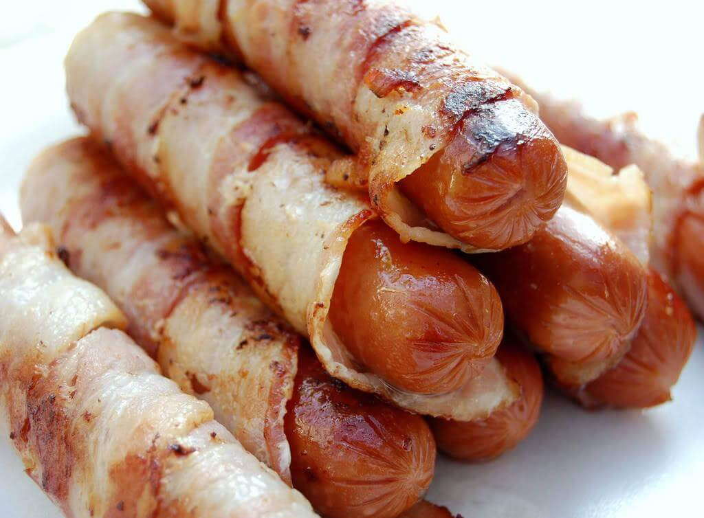Foods that worsen cellulite: pigs in a blanket