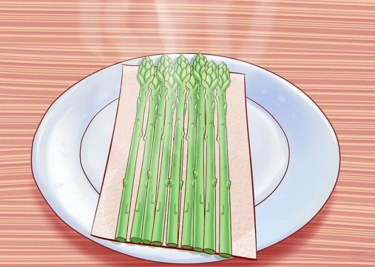 6 Reasons to Eat Asparagus and How to Cook It