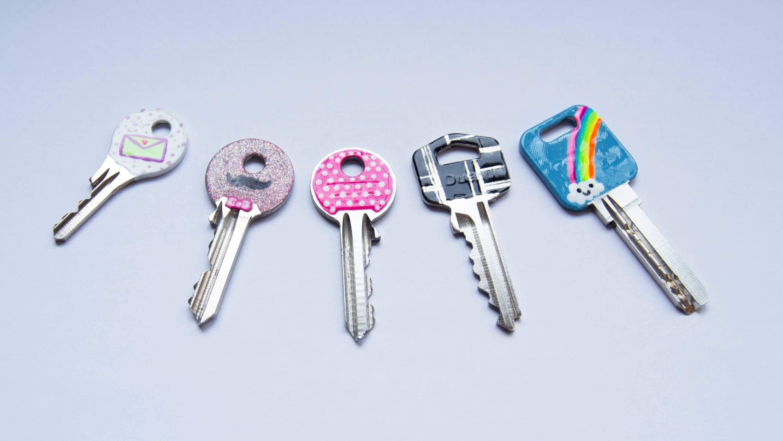 tell keys apart