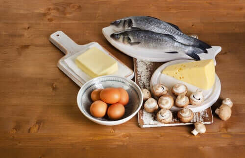 Sources of vitamin D, including fish, butter, eggs, mushrooms, and cheese.