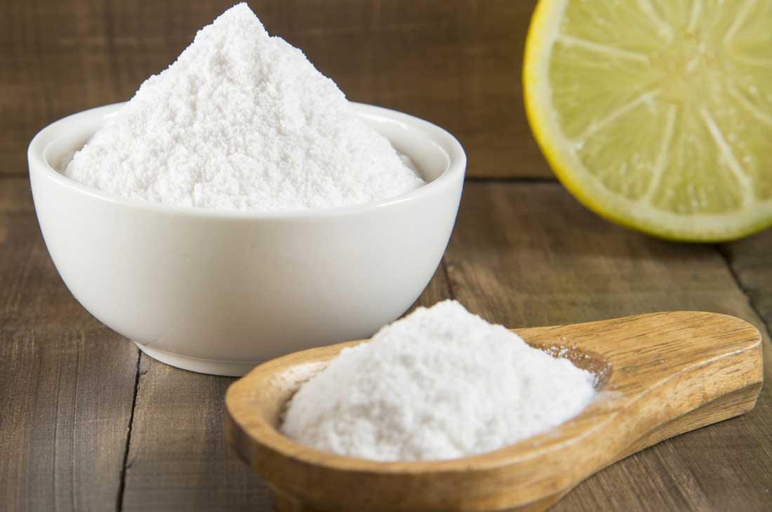 Baking soda and lemon oil