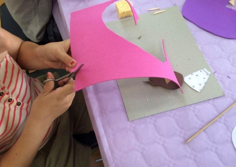 5 Simple Crafts Made with Foam Paper