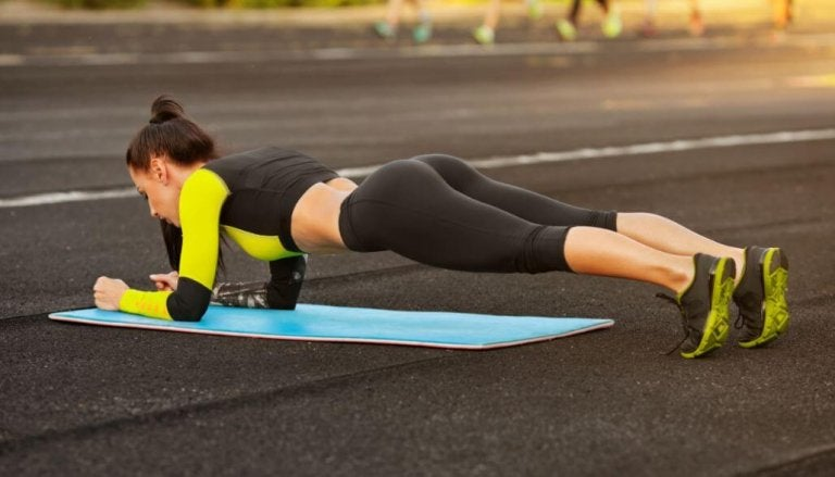 5 Simple Exercises to Shape Your Figure That You Can Do at Home