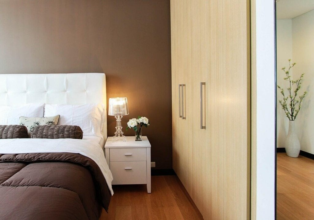 6 Things You Should Avoid in Your Bedroom