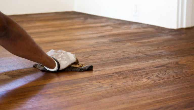 How to Easily Remove Scratches from the Floor