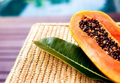 Papaya and leaf