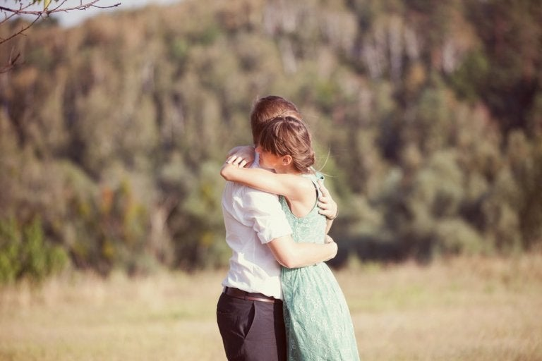 6 Amazing Benefits of Hugs You Never Knew About