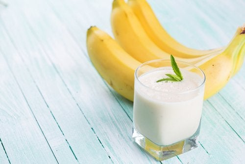 Oat, banana and butter smoothie