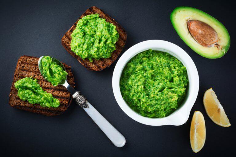 Pesto, avocado, and guacamole: avocado recipe