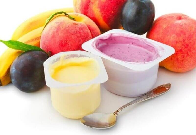 Yogurt with artificial flavourings
