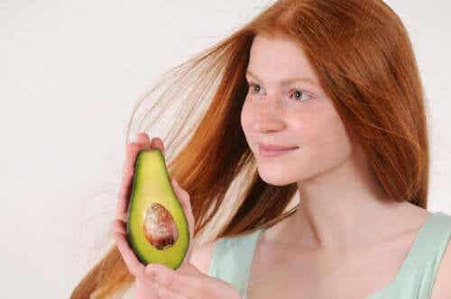 Hydrate Your Hair With These 5 Natural Remedies