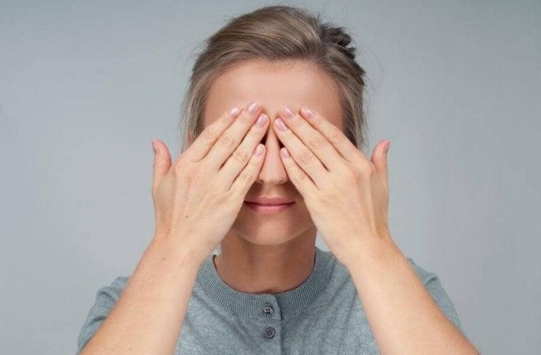 Four Exercises For Eye Health