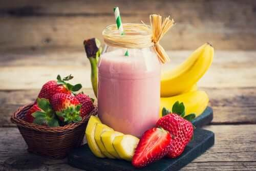 Lose Weight With These 5 Amazing Fruit Smoothies