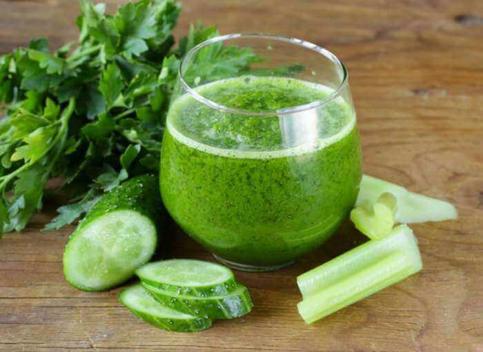 Medicinal parsley and celery juice to improve your liver