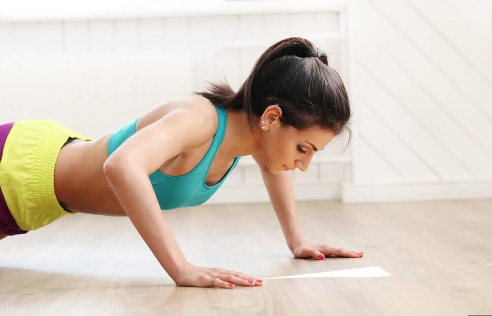 Alternating touch push-ups