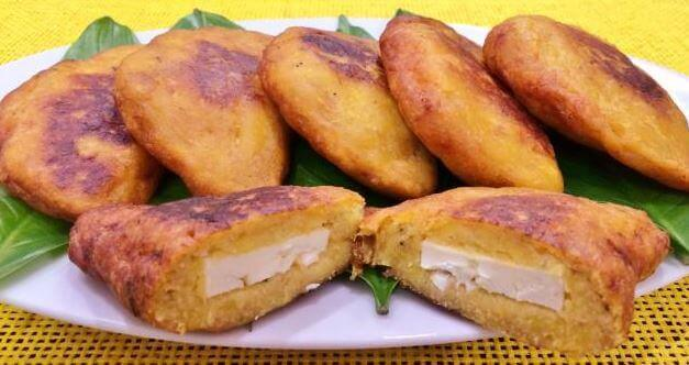 4 Delicious Ways to Stuff Roasted Ripe Plantains