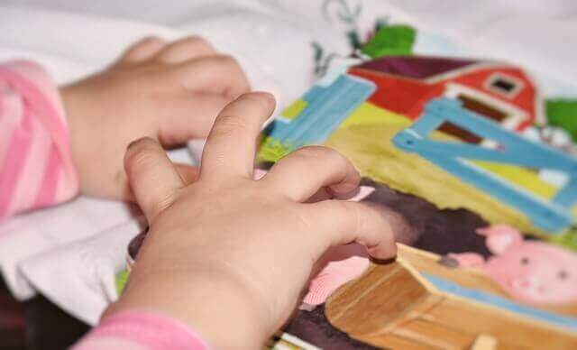언어 장애 아동을 돕기 위한 6가지 운동 카드