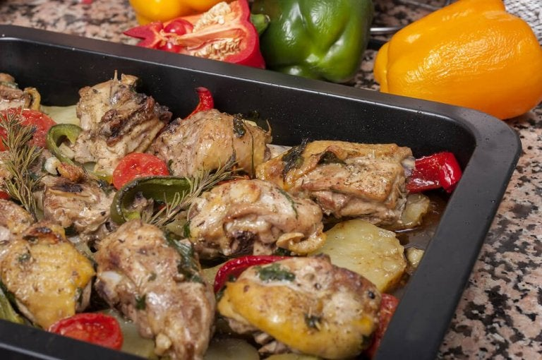 Delicious Recipes for Baked Chicken with Potatoes and Carrots