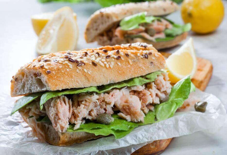 Sandwich au thon &quot;width =&quot; 933 &quot;height =&quot; 637 &quot;/&gt; </figure> <p> Il y a beaucoup d&#39;options à prendre en compte lorsqu&#39;on prépare un sandwich au thon frais fait maison, tous rapides et délicieux. créativité pour préparer un vrai régal pour toute la famille.</p> <blockquote> <p> Lire aussi cet article: <a href=