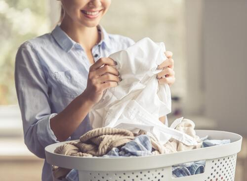 6 Tricks to Remove Oil Stains From Clothes