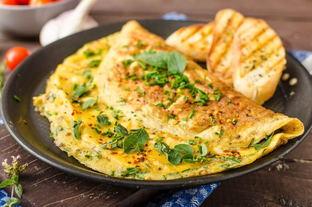 Egg omelettes with spinach