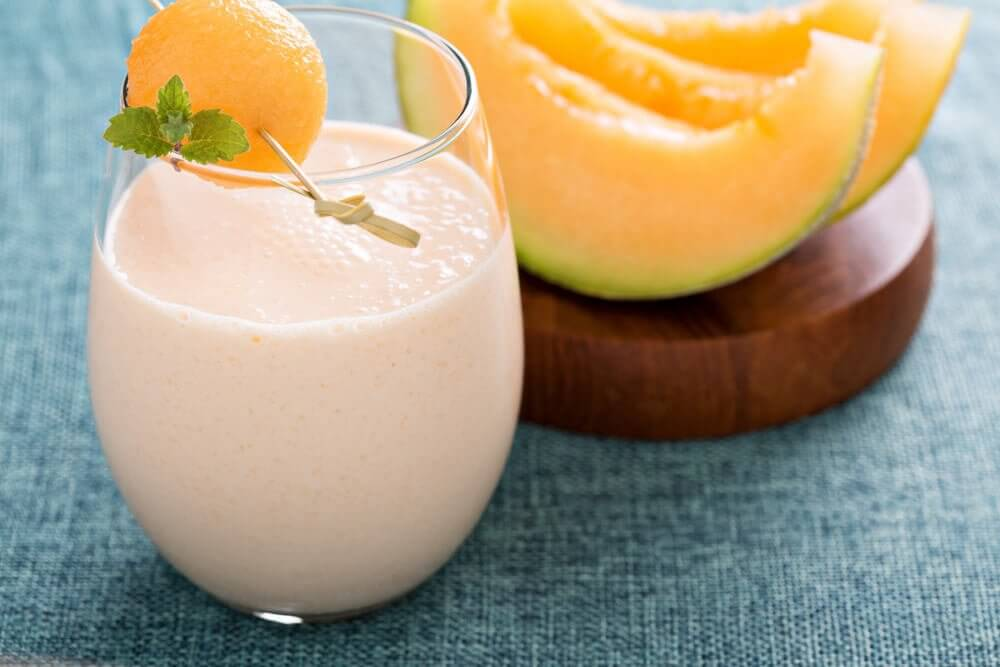 Fat burning smoothie with melon