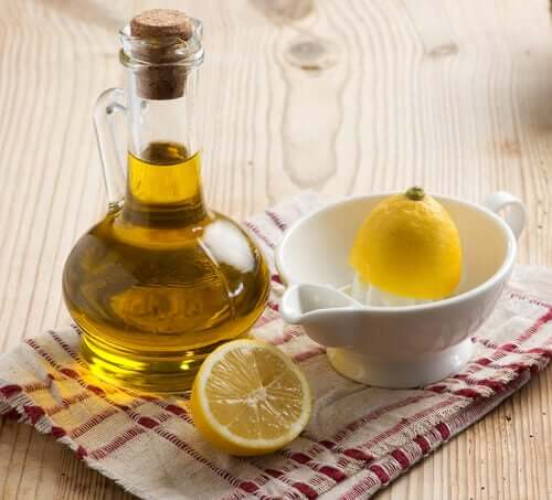 Some lemon and olive oil for a kidney stones remedy.