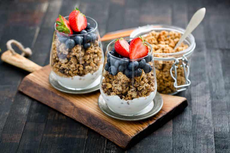 12 Surprising Benefits of Eating Granola for Every Breakfast