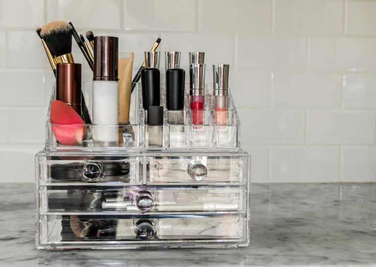 Homemade Makeup Organizers
