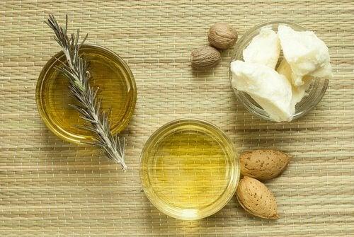 5가지 자연 재료로 피부를 촉촉하게 하는 방법 라드(돼기고기 최고급 지방)와 아몬드 오일