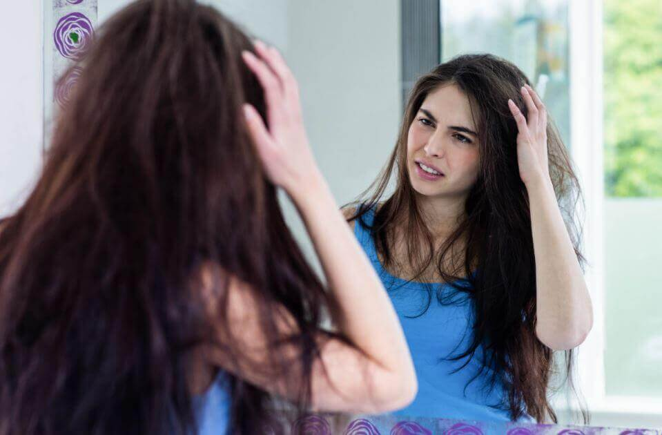 Natural Solutions to Prevent Frizzy Hair