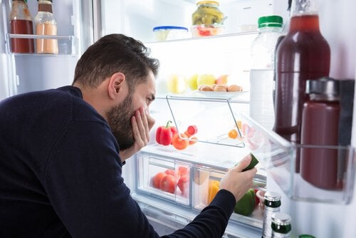 how to get rid of foul odors in fridge