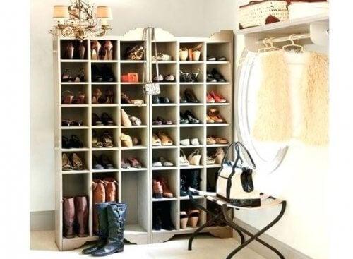 Apprenez à fabriquer ces superbes étagères pour chaussures