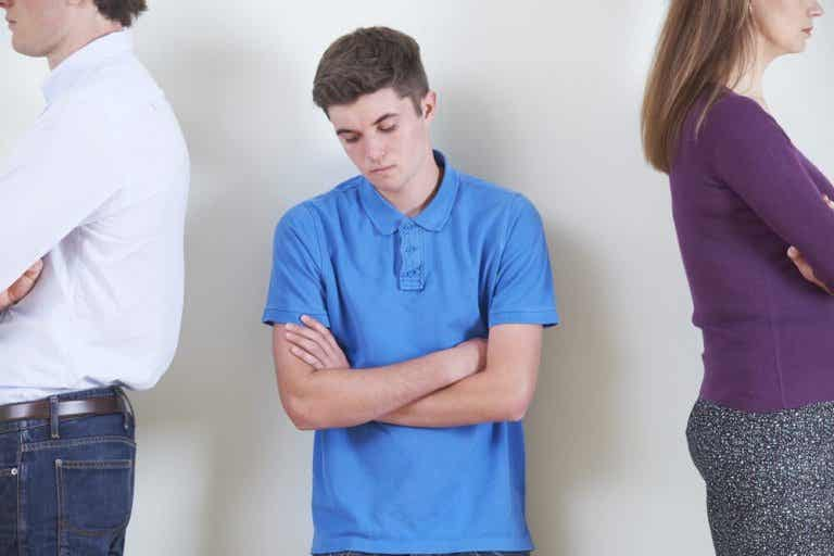 Causes of Teen Mood Swings and How to Deal with Them