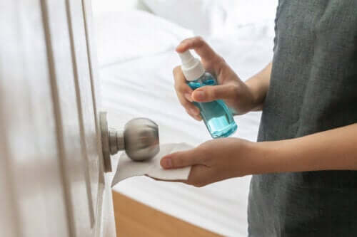 Natural Ways to Disinfect the Bedroom