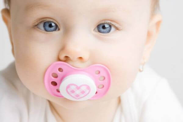 Pros and Cons of Pacifiers