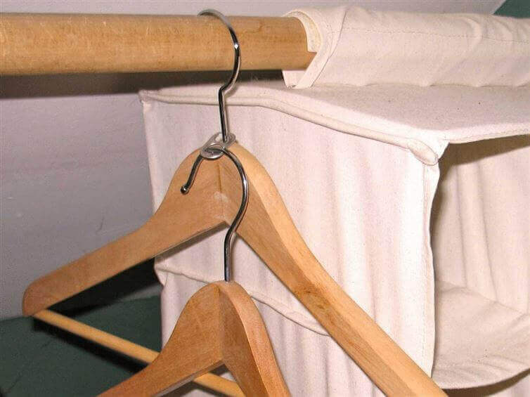 Double up clothes hangers