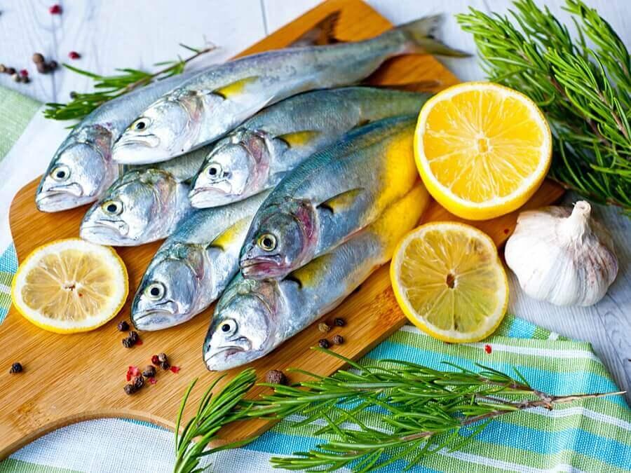Fish lemon and herbs