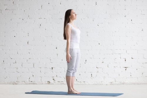 Mountain pose or Tadasana 500x334